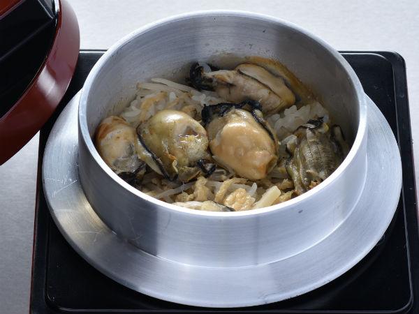 かき釜めし[味噌汁付き]
