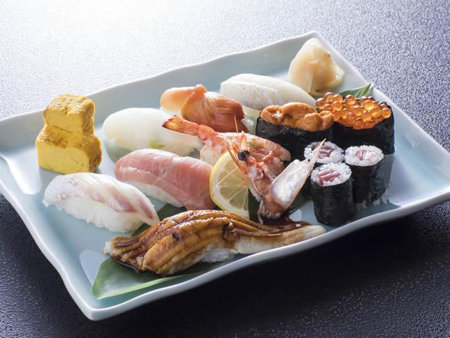 特上にぎり寿司盛合せ