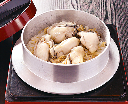 牡蠣の釜飯