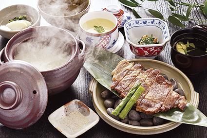 もみじ豚石焼きステーキ定食