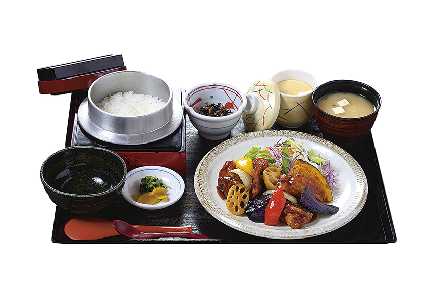 彩り野菜鶏黒酢定食