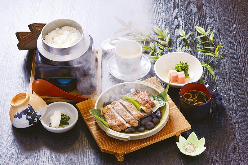 もみじ豚 石焼きステーキ定食