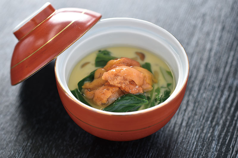 北海道産ウニとほうれん草の茶碗蒸し