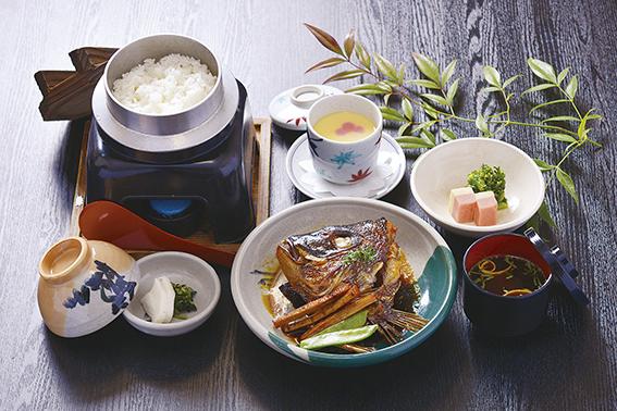 鯛のかぶと煮定食